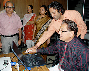 Vice-Chancellor, Professor R. C. Sobti inaugurating the Panjab University website